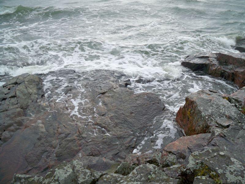 Sea on the Rocks (2)